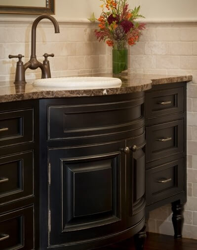 Talan I with Black Paint w Edging Greenfield Cabinetry