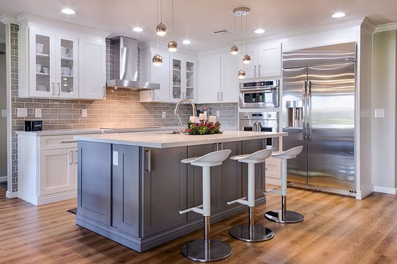 Add a splash of color to your kitchen with cabinet and stone for Best rated kitchen cabinets